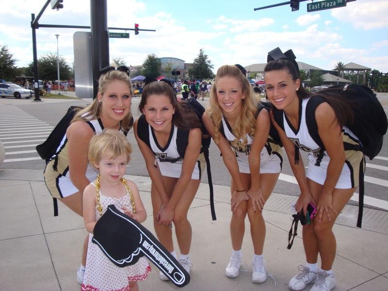 UCF cheerleaders