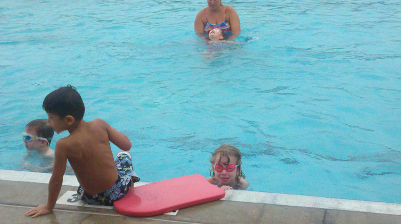 E cries at swimming