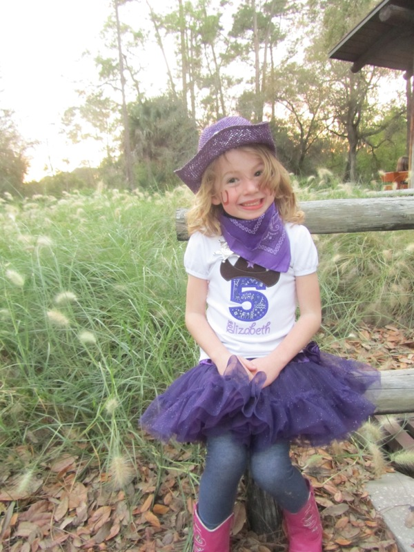 E's cowgirl outfit