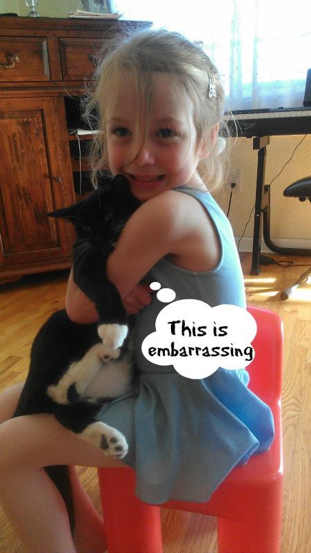 E hugs Blue