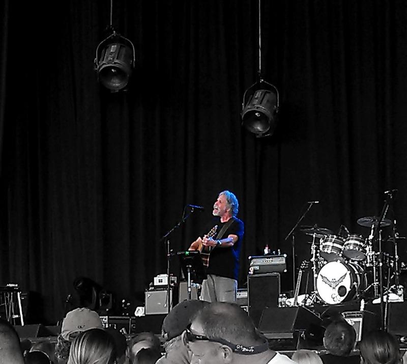 AmericanaramA: Bob Weir