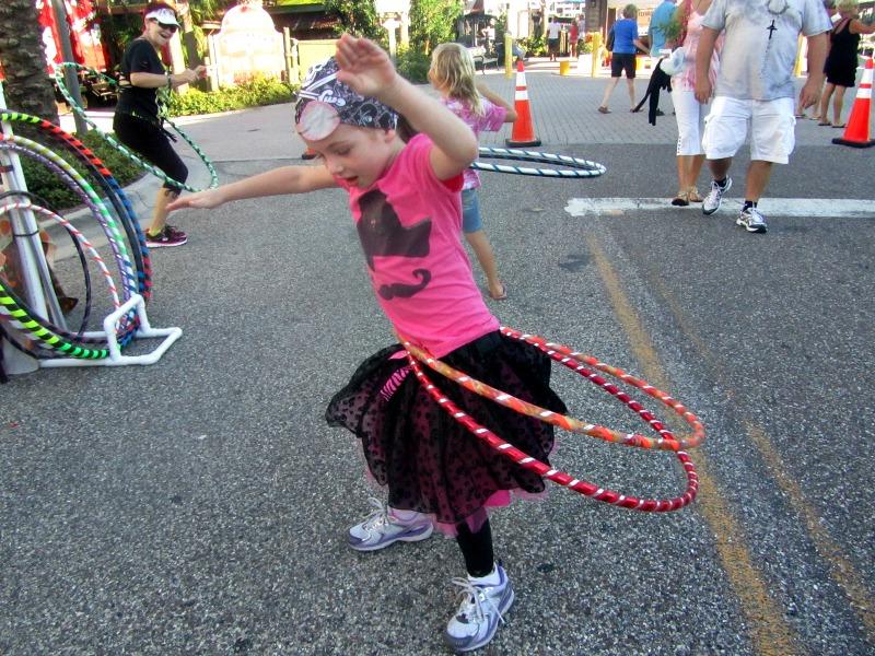 E hula hoops