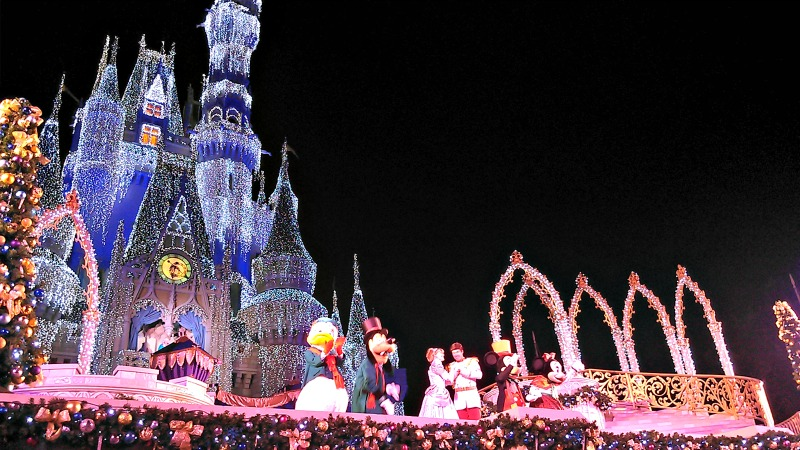 Magic Kingdom: Cinderella Castle at Christmas